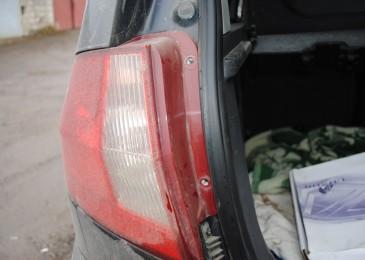 Замена ламп задних фонарей